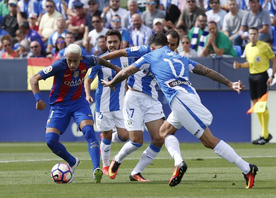 Neymar marcó el desequilibrio en la ofensiva de Barcelona. (Foto: EFE)