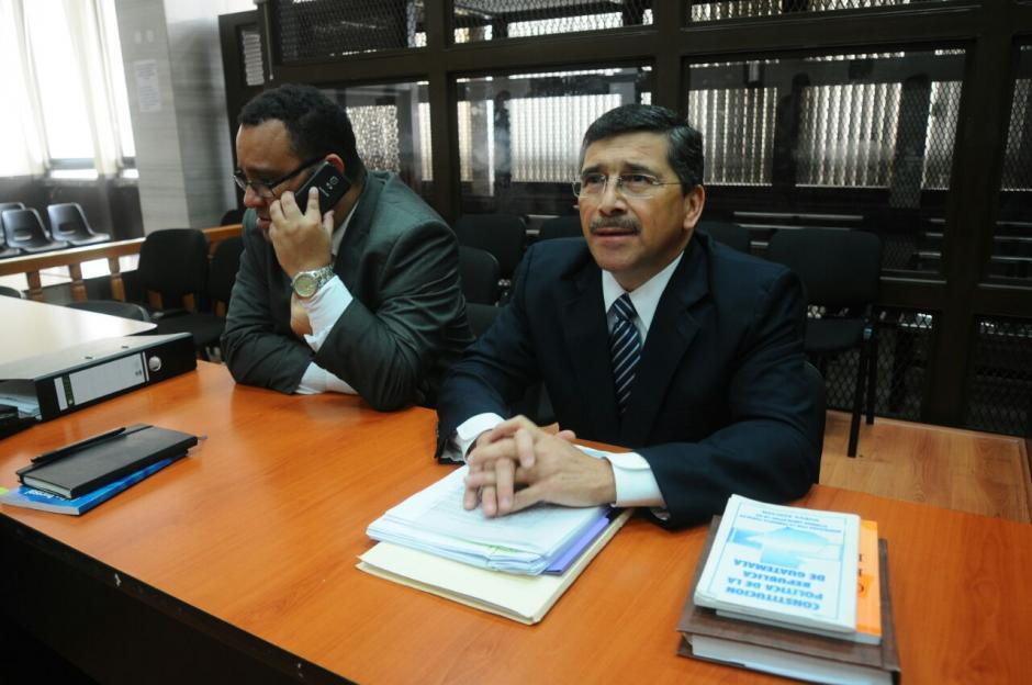 Edgar Barquín, se encuentra en los tribunales donde iniciará el juicio en su contra. (Foto: Alejandro Balan/Soy502)