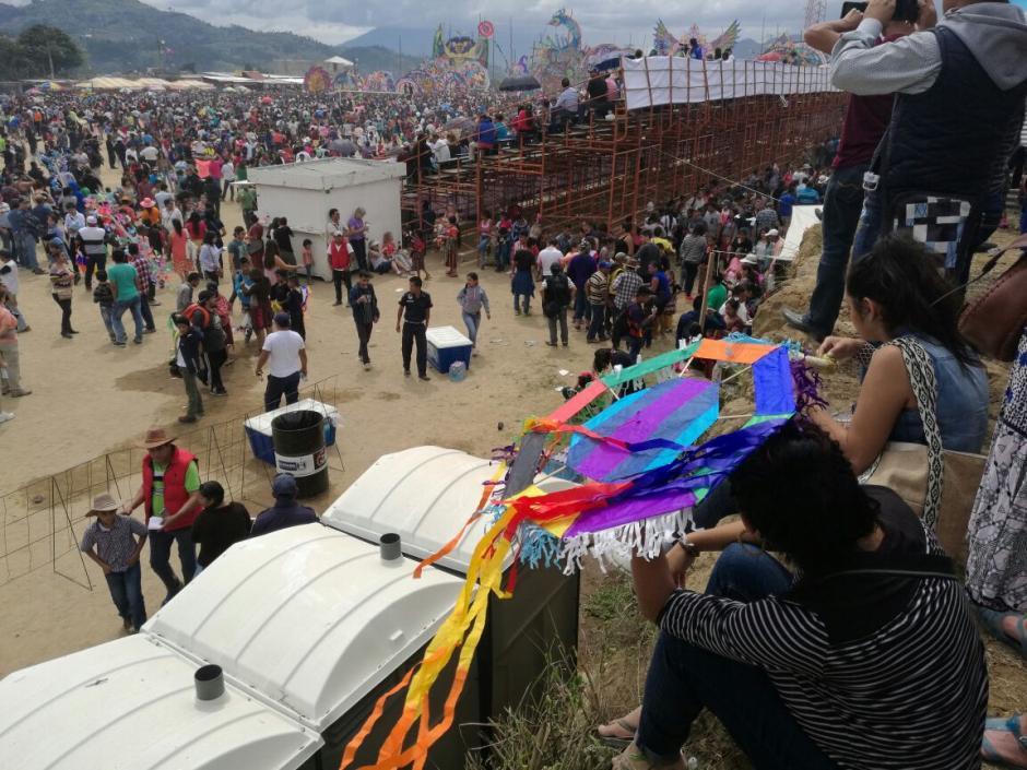En el festival los barrileteros participaron en tres categorías. (Foto: Jorge Sente/Nuestro Diario)