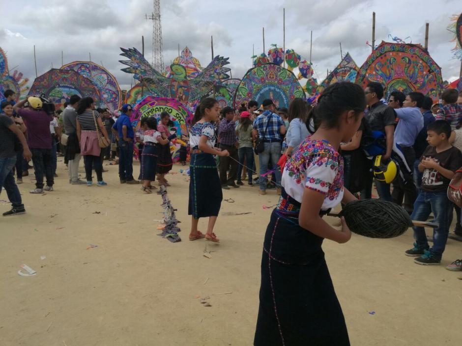 Miles de personas visitaron el festival desde tempranas horas. (Foto: Jorge Sente/Nuestro Diario)