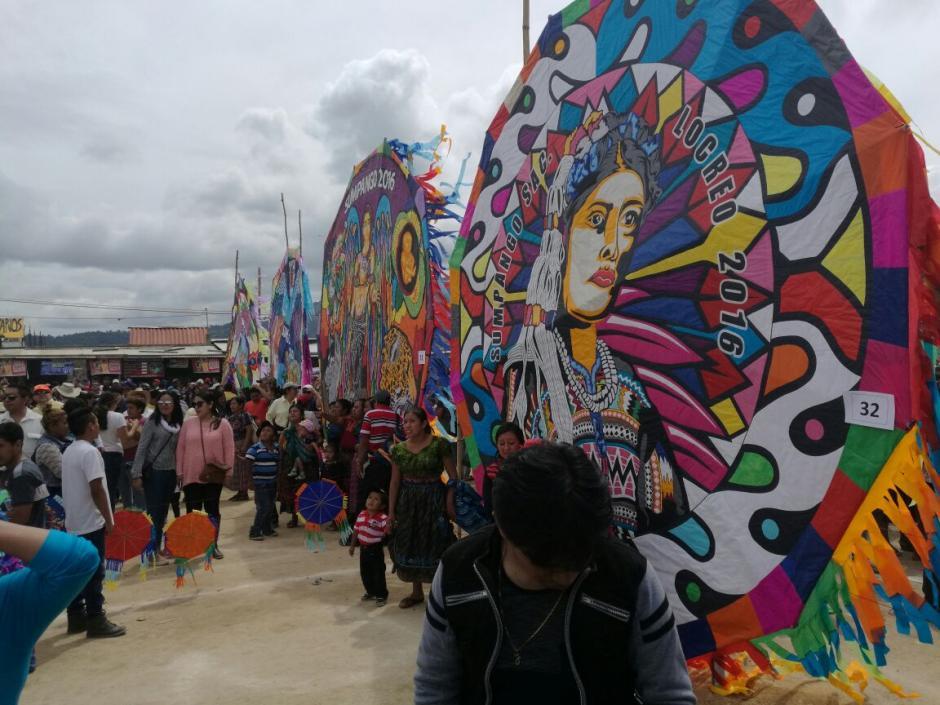 """El colorido y tradición del """"Festival de Barriletes Gigantes"""" de Sumpango, Sacatepéquez. (Foto: Jorge Sente/Nuestro Diario)"""