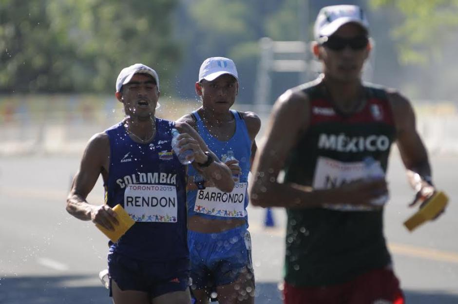 Barrondo fue de los punteros durante toda la competencia de 50 kilómetros de marcha. (Foto: Pedro Mijangos/Soy502)