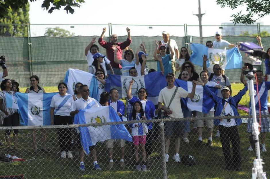 El público guatemalteco llegó en gran número para apoyar a Barrondo y Bran
