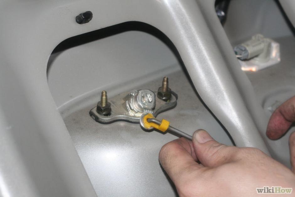 Los carros vendidos en Estados Unidos tienen un mecanismo automático de apertura en el baúl. (Foto: wikihow.com)