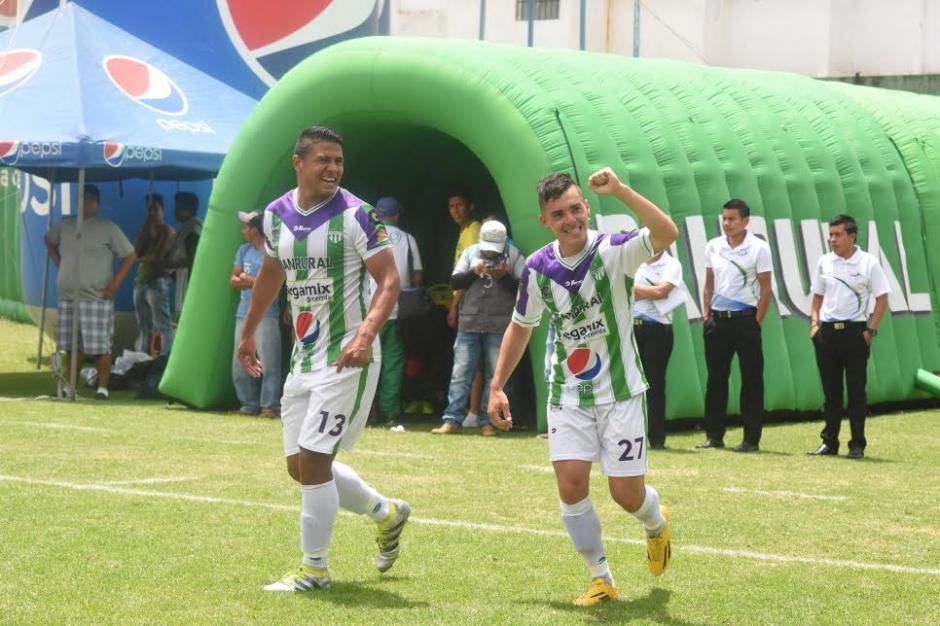 Fabián Castillo marcó dos goles en el triunfo de Antigua GFC 4-1 a Guastatoya. (Foto: Nuestro Diario)
