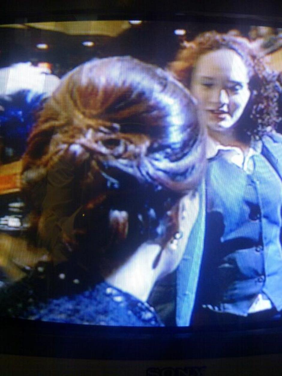 El momento en que Cristal se aproxima a la Vicepresidenta.