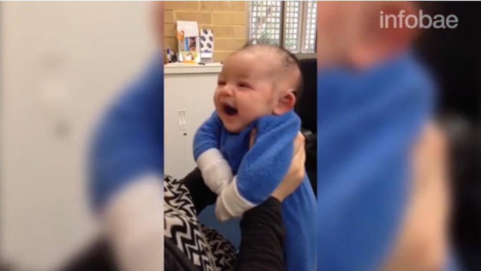 Jordan nació el pasado 14 de abril en Australia y tenía problemas para escuchar. (Foto: Infobae)