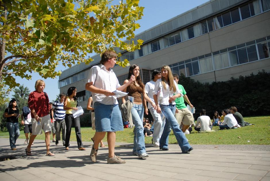 La Universidad Católica de Chile es una de las casas de estudios donde puedes optar por una maestría. (Foto: capital.cl)