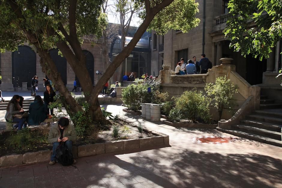 La Universidad Alberto Hurtado ofrece varios masters en economía, ética, gobierno y dirección educacional. (Foto: ausjal.org)