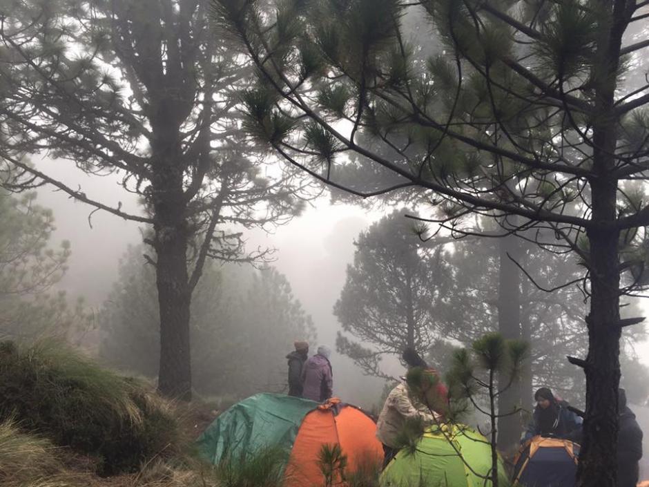 Las inclemencias del clima causaron la muerte de seis personas en el volcán Acatenango, en Chimaltenango. (Foto: Facebook, Becca de León)