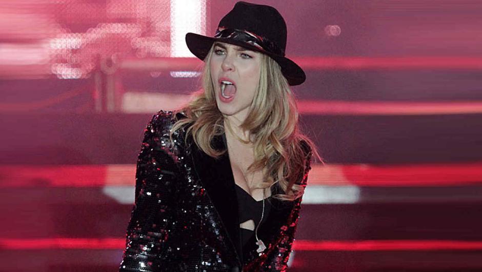 """Belinda debió de incluir """"El Sapito"""" a su repertorio. (Foto: Telemundo)"""