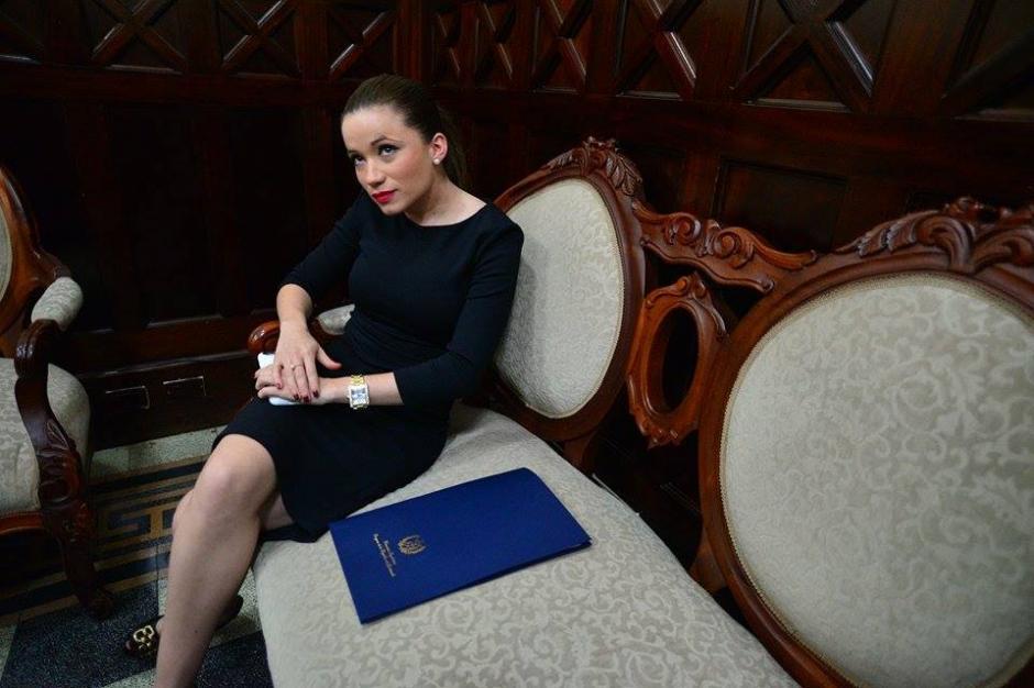 Daniela Beltranena, exasistente de Baldetti, fue juramentada este martes 27 de octubre como diputada en el Congreso de la República. (Foto: Wilder López/Soy502)