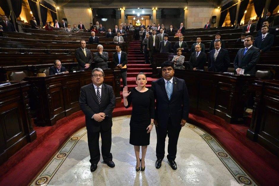 Al momento de ser juramentada en el Congreso de la República. (Foto: Wilder López/Soy502)