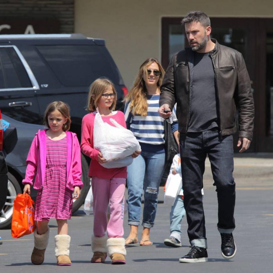 Ben Affleck ha negado su supuesta relación extra marital con la niñera Christine Ouzounian, luego de rumores tras su divorcio con Jenifer Garner. (Foto: Ranker)