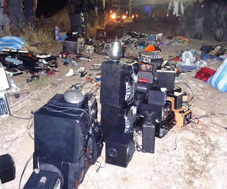 Presidios decomisó varios aparatos electrónicos en la cárcel preventiva de delitos menores. (Foto: Sistema Penitenciario)