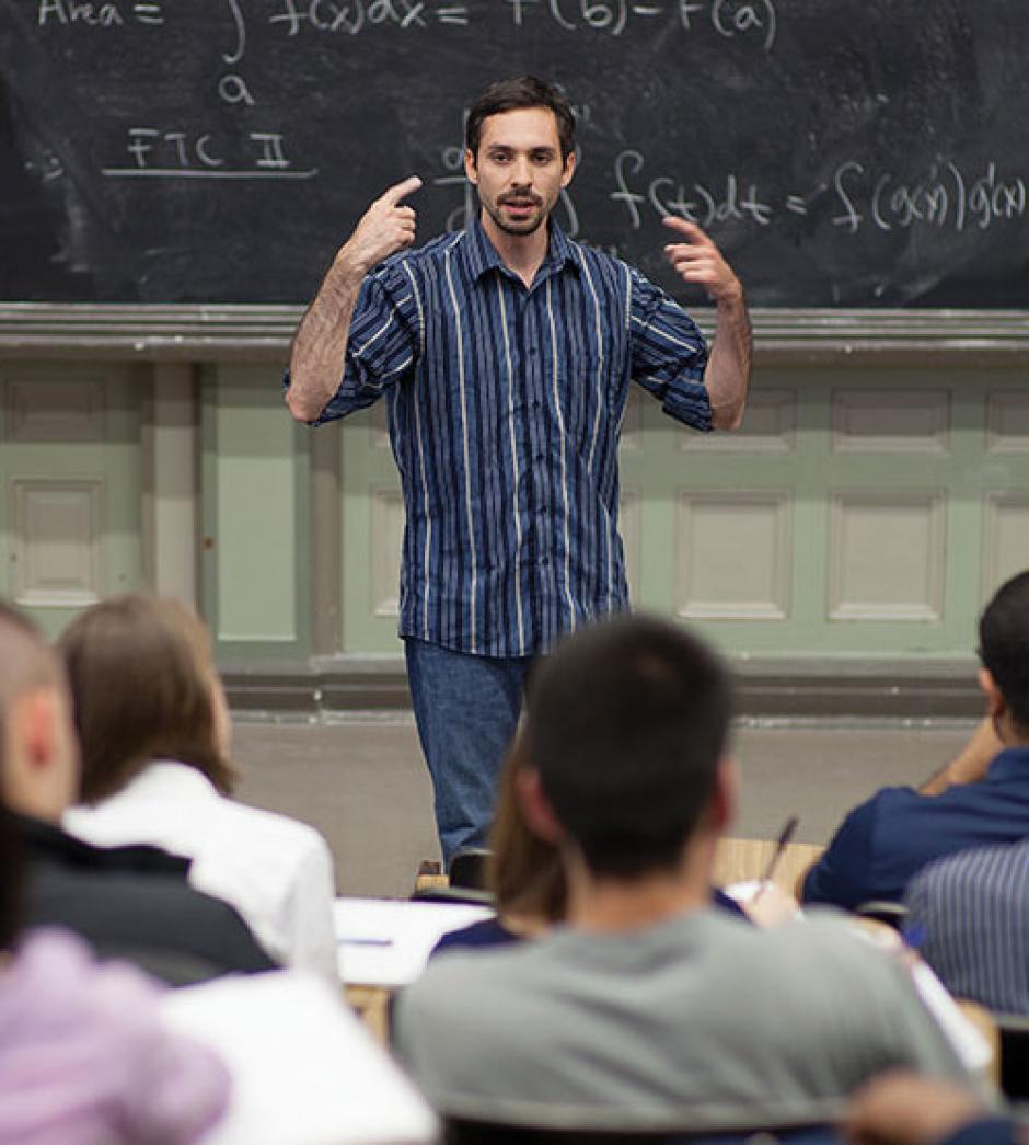 Ha trabajado en dos universidades impartiendo sus conocimientos sobre matemáticas. (Foto: Pedro Morales)