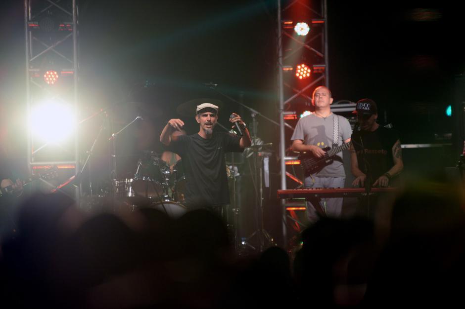 La banda tocó canciones de sus 13 discos. (Foto: Esteban Biba/Soy502)