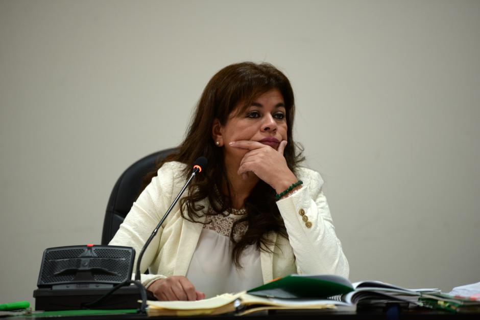 La diligencia en que la jueza Flores debía resolver sobre su jurisdicción en el caso Siekavizza fue suspendida al presentarse una inconstitucionalidad. (Foto: Esteban Biba/Soy502)