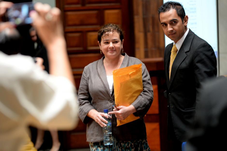 La fiscal llegó tranquila ante la Comisión de Postulación. (Foto: Esteban Biba/Soy502)