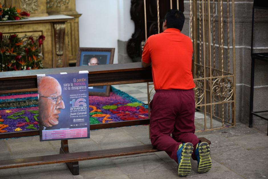 Los restos de Monseñor Juan Gerardi Conedera se encuentran en la Catedral Metropolitana. (Foto: Esteban Biba/Soy502)