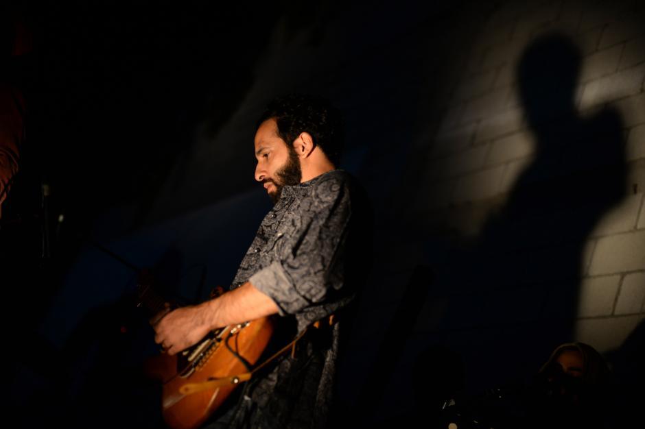 El Ishto compartió el escenario con varios artistas, como el Primocaster. (Foto: Esteban Biba/Soy502)