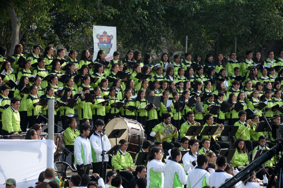 La Orquesta Sinfónica de la Municipalidad participó en el Plaza de la Constitución. (Foto: Esteban Biba/Soy502)