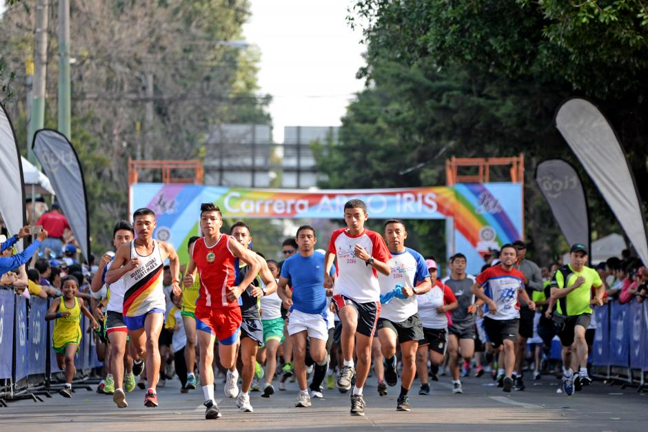 Los 5 kilómetros de la carrera fueron realizados con entusiasmo y todos ganaron. (Foto: Esteban Biba/Soy502)