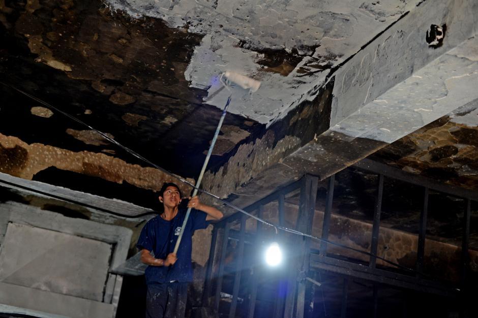 Los inquilinos tienen fe en poder recuperarse tras el incendio. (Foto: Esteban Biba/Soy502)