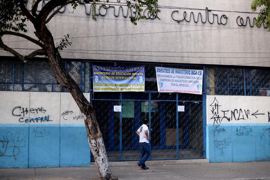 Muchos padres piensan en sacar a sus hijas del instituto tras el ataque a dos estudiantes. (Foto: Esteban Biba/Soy502)