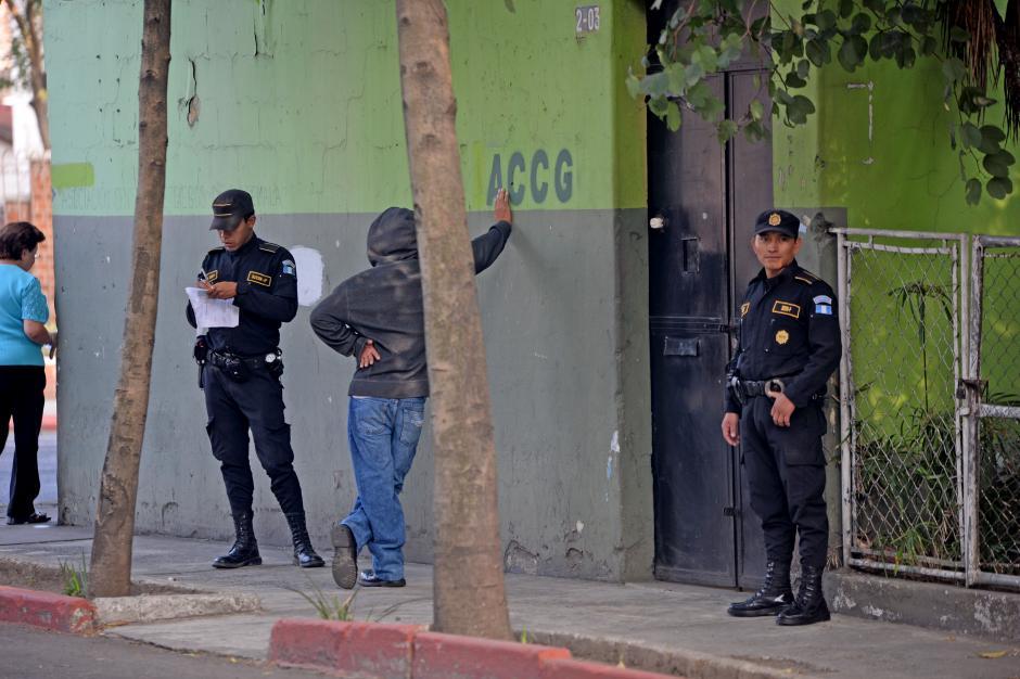 La Policía realizó operativos a los alrededores del INCA. (Foto: Esteban Biba/Soy502)
