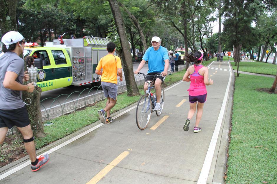 La ciclovía de la avenida Las Américas y avenida Reforma permite correr y pedalear. (Foto: Twitter)
