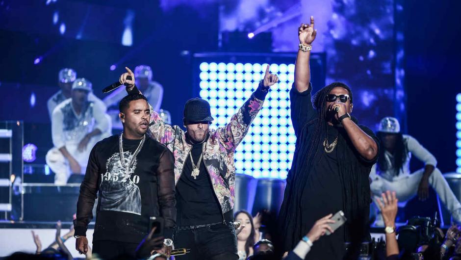 Nicky Jam junto a Zion y Lennox. (foto: telemundo.com)