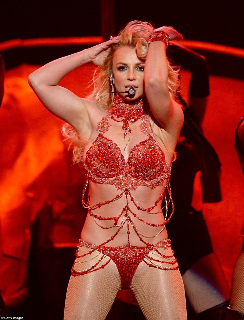 Britney se dejó llevar en su show. (Foto: Getty Images)