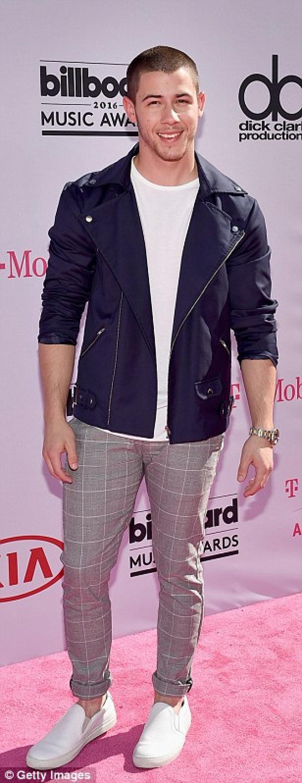 Kick Jonas posó casual. (Foto: Getty Images)