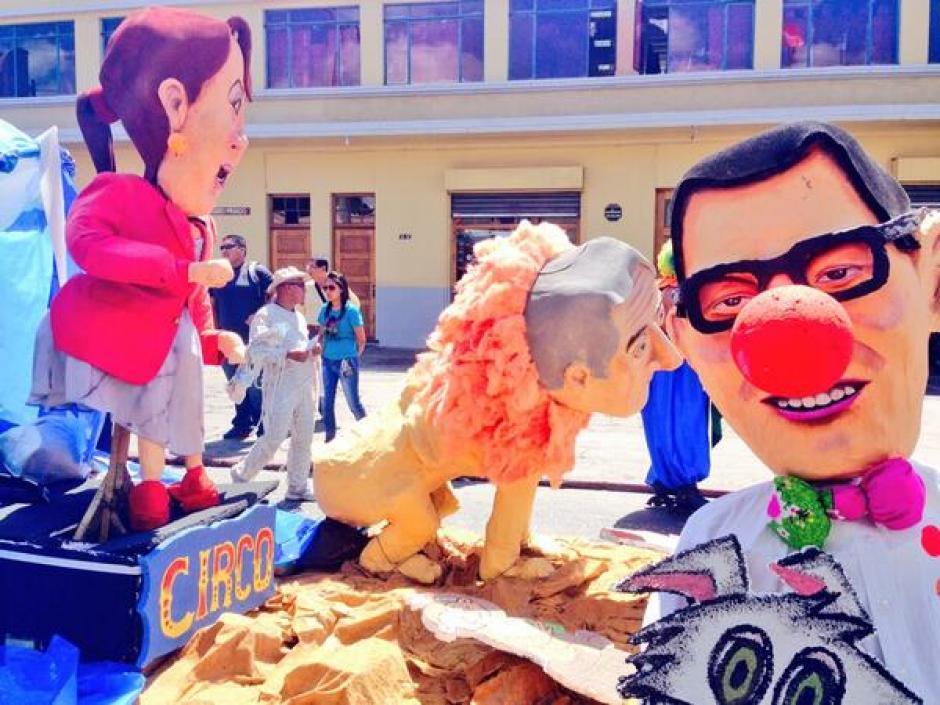 Las tres figuras políticas más satirizadas en el desfile de la Huelga de Dolores. (Foto: Jesús Alfonso/Soy502)