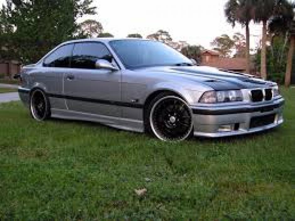 Entre los vehículos supuestamente apropiados por Richard Tylor, figura un BMW M3 modelo 1991. (Foto: Internet)