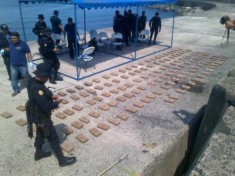 175 paquetes fueron encontrados flotando en el mar. (Foto: Ministerio de Gobernación)