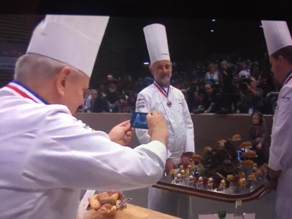 Los jueces internacionales calificando los platos nacionales. (Foto: Bocuse Dor Guatemala)