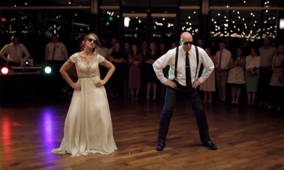 Nadie esperaba este tremendo baile entre padre e hija en plena boda. (Foto: Captura de video)