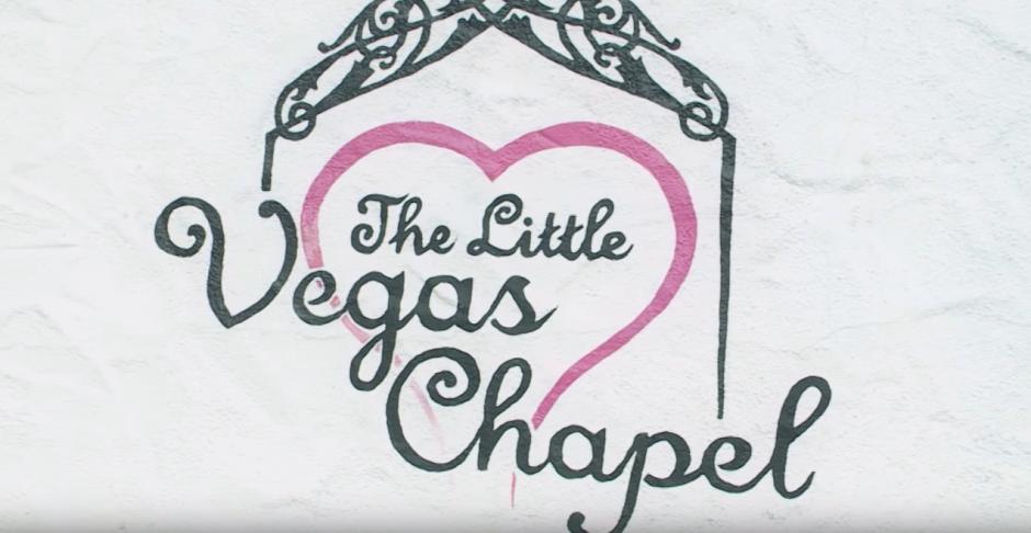 La ceremonia se realizó en una capilla de Las Vegas. (Captura de pantalla: Kaspersky Lab UK/YouTube)