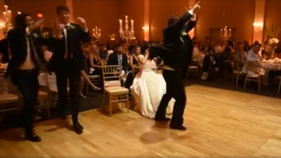 La joven pareja se casó en McKinney, Estados Unidos. (Captura de pantalla: MirandaMarrsPhotography/Facebook)