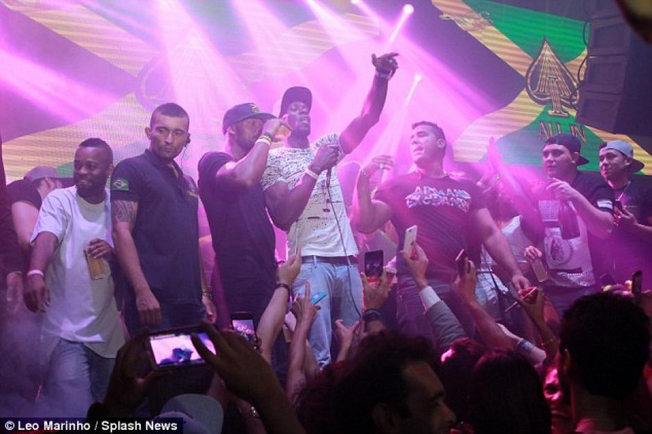 Esta celebración se une a las otras que tuvo en su visita a Río de Janeiro para los Juegos Olímpicos. (Foto: Daily Mail)