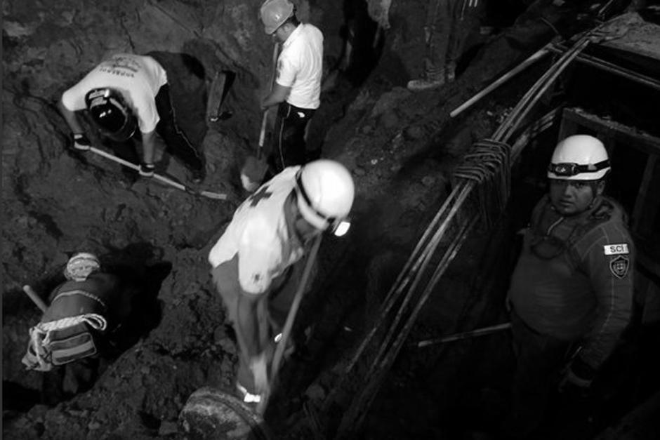 Se estima que el paredón cayó de una altura de 25 metros. (Foto: Twitter, @CRGuatemalteca)