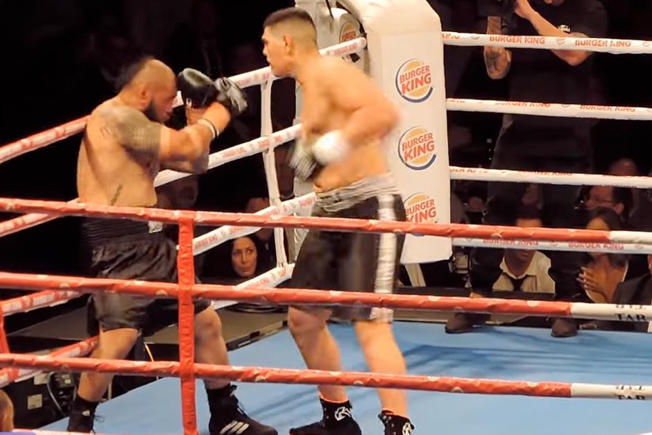 Los boxedores se enfrentan enAuckland. (Foto: YouTube)