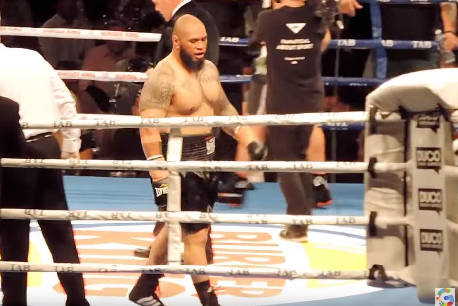 El boxeador Leamy Lakopo Tato previo a la pelea. (Foto: YouTube)