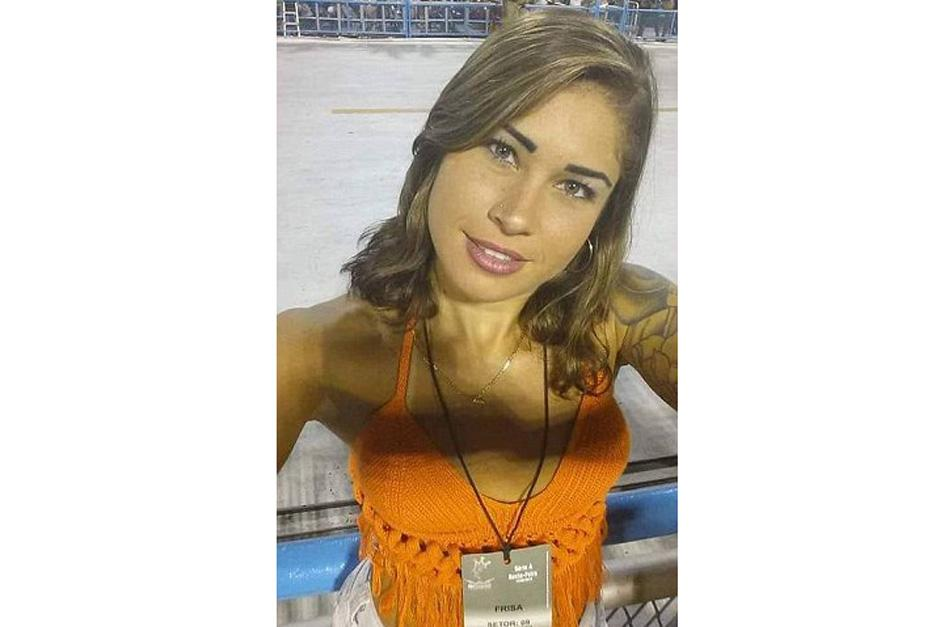 La brasileña trabaja como modelo y también como recogedora de basura. (Foto: dailymail.co.uk)