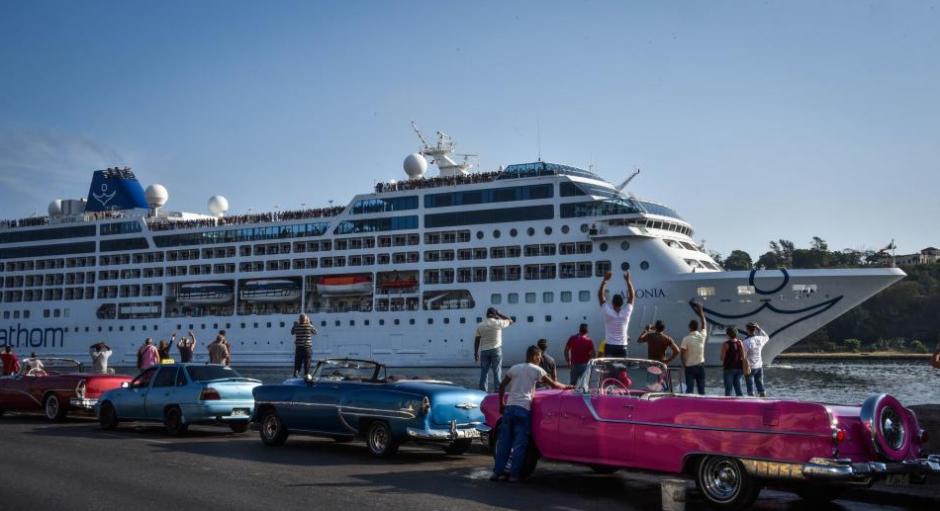 El viaje del primer barco de cruceros fue visto por los usuarios como una oportunidad para visitar la isla. (Foto: AFP)
