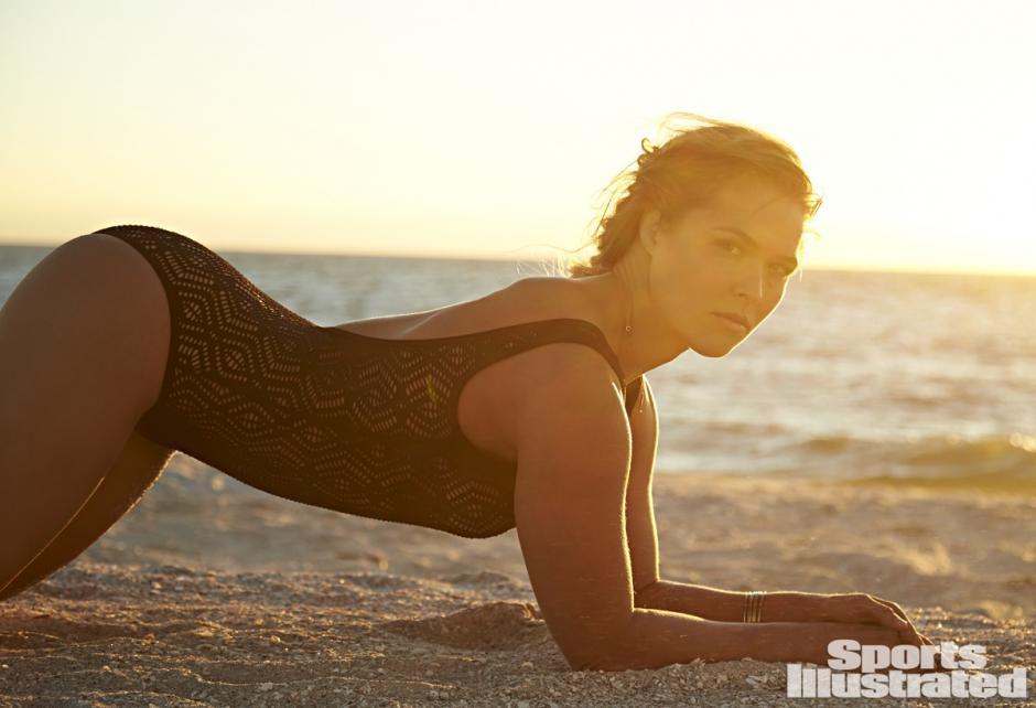 Ronda Rousey realizó una sesión para Maxim, pero ya ha trabajado para otras revistas como Sports Illustrated. (Foto: brianedwardssports.com)
