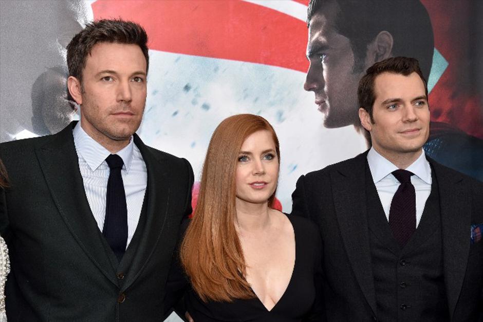 Amy Adams junto a los protagonistas de le película. (Foto: AFP)