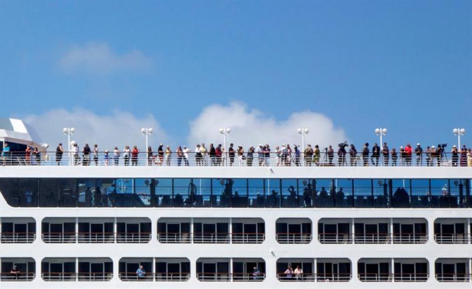 Con este crucero se inaugura la primera línea de este tipo de trayectos marítimos entre Cuba y EE.UU. después de 50 años. (Foto: EFE)